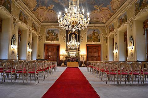 Jemniště – průčelí barokního zámku, foto: Archiv Vydavatelství MCU s.r.o.