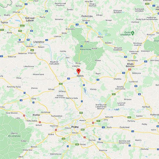 Lysá nad Labem – čestný dvůr zámku, foto: Archiv Vydavatelství MCU s.r.o.